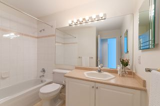 """Photo 14: 23 16888 80 Avenue in Surrey: Fleetwood Tynehead Townhouse for sale in """"STONECROFT"""" : MLS®# R2371189"""