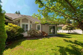 """Photo 17: 23 16888 80 Avenue in Surrey: Fleetwood Tynehead Townhouse for sale in """"STONECROFT"""" : MLS®# R2371189"""
