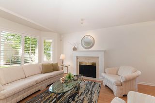 """Photo 4: 23 16888 80 Avenue in Surrey: Fleetwood Tynehead Townhouse for sale in """"STONECROFT"""" : MLS®# R2371189"""