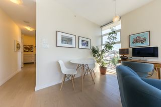 "Photo 4: 904 38 W 1ST Avenue in Vancouver: False Creek Condo for sale in ""THE ONE"" (Vancouver West)  : MLS®# R2373483"