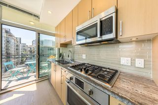 "Photo 6: 904 38 W 1ST Avenue in Vancouver: False Creek Condo for sale in ""THE ONE"" (Vancouver West)  : MLS®# R2373483"