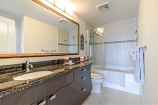 """Photo 8: 3707 888 CARNARVON Street in New Westminster: Downtown NW Condo for sale in """"MARINUS TOWER"""" : MLS®# R2380630"""