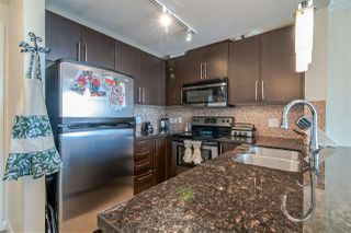 """Photo 15: 3707 888 CARNARVON Street in New Westminster: Downtown NW Condo for sale in """"MARINUS TOWER"""" : MLS®# R2380630"""