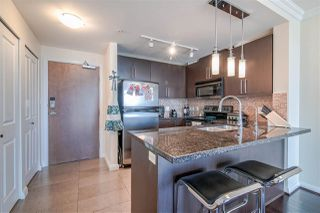 """Photo 4: 3707 888 CARNARVON Street in New Westminster: Downtown NW Condo for sale in """"MARINUS TOWER"""" : MLS®# R2380630"""