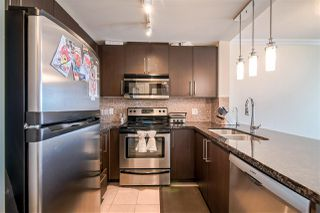 """Photo 5: 3707 888 CARNARVON Street in New Westminster: Downtown NW Condo for sale in """"MARINUS TOWER"""" : MLS®# R2380630"""