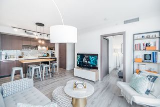 "Main Photo: 1757 38 SMITHE Street in Vancouver: Downtown VW Condo for sale in ""ONE PACIFIC"" (Vancouver West)  : MLS®# R2388568"