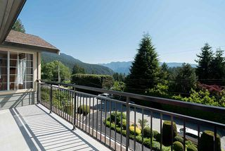 Photo 12: 1857 CLIFFWOOD Road in North Vancouver: Deep Cove House for sale : MLS®# R2401925