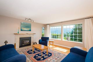 Photo 6: 1857 CLIFFWOOD Road in North Vancouver: Deep Cove House for sale : MLS®# R2401925