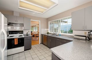 Photo 10: 1857 CLIFFWOOD Road in North Vancouver: Deep Cove House for sale : MLS®# R2401925