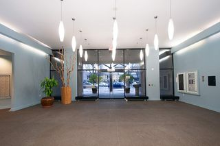 "Photo 18: 404 124 W 1ST Street in North Vancouver: Lower Lonsdale Condo for sale in ""The ""Q"""" : MLS®# R2430704"