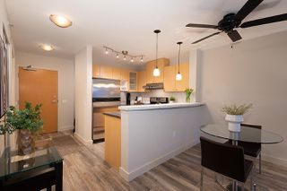 "Photo 8: 404 124 W 1ST Street in North Vancouver: Lower Lonsdale Condo for sale in ""The ""Q"""" : MLS®# R2430704"