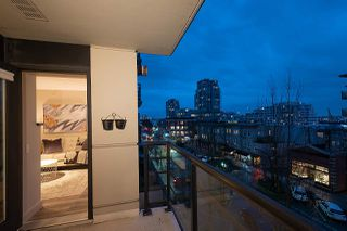 "Photo 13: 404 124 W 1ST Street in North Vancouver: Lower Lonsdale Condo for sale in ""The ""Q"""" : MLS®# R2430704"