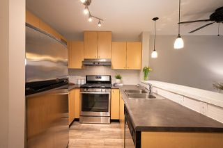 "Photo 7: 404 124 W 1ST Street in North Vancouver: Lower Lonsdale Condo for sale in ""The ""Q"""" : MLS®# R2430704"