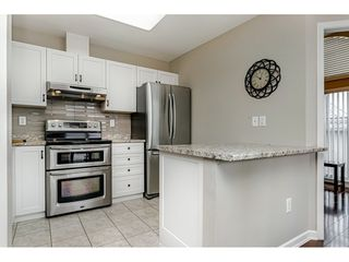 "Photo 12: 405 1128 SIXTH Avenue in New Westminster: Uptown NW Condo for sale in ""Kingsgate House"" : MLS®# R2433954"