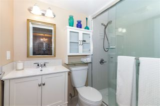 "Photo 17: 210 1341 GEORGE Street: White Rock Condo for sale in ""OCEAN VIEW"" (South Surrey White Rock)  : MLS®# R2435728"