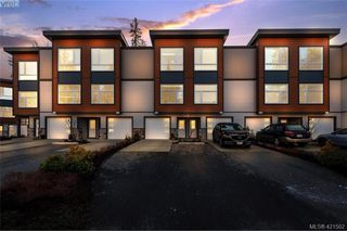 Photo 1: 125 933 Wild Ridge Way in VICTORIA: La Happy Valley Row/Townhouse for sale (Langford)  : MLS®# 834261