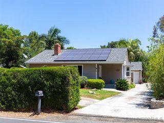 Photo 3: VISTA House for sale : 3 bedrooms : 950 Eucalyptus Ave