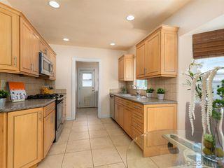 Photo 11: VISTA House for sale : 3 bedrooms : 950 Eucalyptus Ave