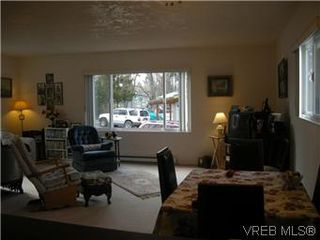 Photo 3: 25 1215 Craigflower Road in VICTORIA: VR Glentana Manu Double-Wide for sale (View Royal)  : MLS®# 290811