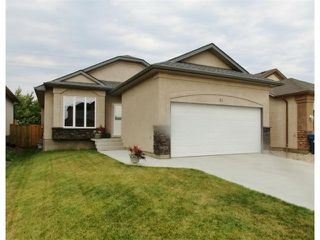 Photo 1: 71 Helen Mayba Crescent in Winnipeg: Transcona Residential for sale (North East Winnipeg)  : MLS®# 1219010