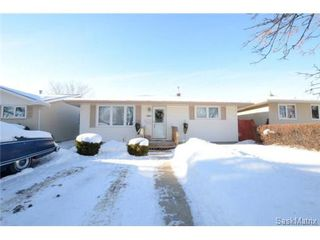 Photo 2: 1056 HOWSON Street in Regina: Mount Royal Single Family Dwelling for sale (Regina Area 02)  : MLS®# 486390