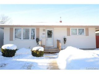Photo 1: 1056 HOWSON Street in Regina: Mount Royal Single Family Dwelling for sale (Regina Area 02)  : MLS®# 486390