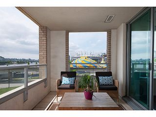 """Photo 8: 405 125 MILROSS Avenue in Vancouver: Mount Pleasant VE Condo for sale in """"Citygate at Creekside"""" (Vancouver East)  : MLS®# V1065427"""