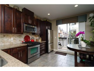 """Photo 7: 2 2979 156TH Street in Surrey: Grandview Surrey Townhouse for sale in """"ENCLAVE"""" (South Surrey White Rock)  : MLS®# F1412951"""