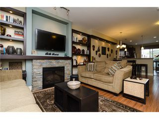 """Photo 3: 2 2979 156TH Street in Surrey: Grandview Surrey Townhouse for sale in """"ENCLAVE"""" (South Surrey White Rock)  : MLS®# F1412951"""