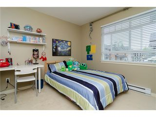"""Photo 17: 2 2979 156TH Street in Surrey: Grandview Surrey Townhouse for sale in """"ENCLAVE"""" (South Surrey White Rock)  : MLS®# F1412951"""