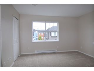"Photo 8: 27 19572 FRASER Way in Pitt Meadows: South Meadows Townhouse for sale in ""COHO II"" : MLS®# V1069837"