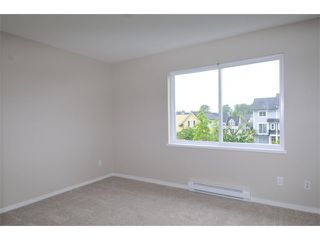 "Photo 10: 27 19572 FRASER Way in Pitt Meadows: South Meadows Townhouse for sale in ""COHO II"" : MLS®# V1069837"