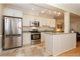 Photo 1: 1 1376 Pandora Ave in VICTORIA: Vi Fernwood Condo for sale (Victoria)  : MLS®# 687224