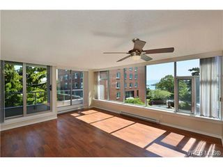 Photo 2: 305 327 Maitland St in VICTORIA: VW Victoria West Condo Apartment for sale (Victoria West)  : MLS®# 702101