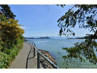 Photo 4: 305 327 Maitland St in VICTORIA: VW Victoria West Condo Apartment for sale (Victoria West)  : MLS®# 702101