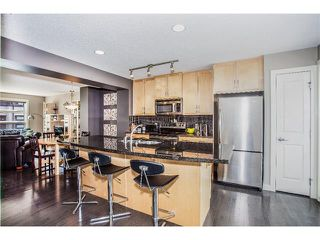 Photo 16: 157 ASPEN HILLS Villa(s) SW in Calgary: Aspen Woods House for sale : MLS®# C4013892