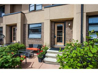Photo 4: 157 ASPEN HILLS Villa(s) SW in Calgary: Aspen Woods House for sale : MLS®# C4013892