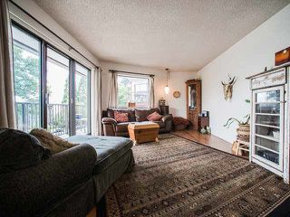 """Photo 2: 202 1585 E 4TH Avenue in Vancouver: Grandview VE Condo for sale in """"ALPINE PLACE"""" (Vancouver East)  : MLS®# V1139592"""