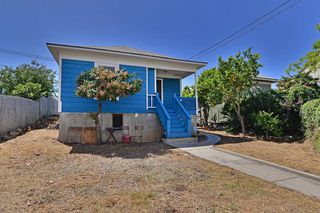 Photo 1: LOGAN HEIGHTS House for sale : 3 bedrooms : 122 S 20TH in SAN DIEGO
