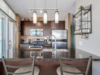 """Photo 4: 3306 888 CARNARVON Street in New Westminster: Downtown NW Condo for sale in """"MARINUS"""" : MLS®# R2053653"""