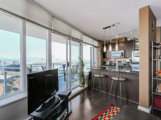"""Photo 7: 3306 888 CARNARVON Street in New Westminster: Downtown NW Condo for sale in """"MARINUS"""" : MLS®# R2053653"""