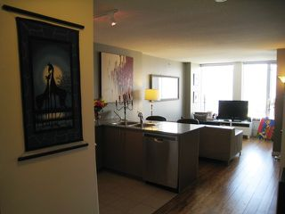 "Photo 7: 2005 550 TAYLOR Street in Vancouver: Downtown VW Condo for sale in ""Taylor"" (Vancouver West)  : MLS®# R2073909"