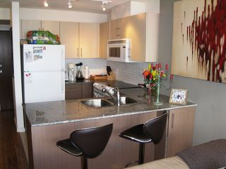 "Photo 6: 2005 550 TAYLOR Street in Vancouver: Downtown VW Condo for sale in ""Taylor"" (Vancouver West)  : MLS®# R2073909"