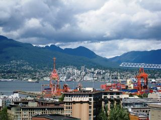 "Photo 3: 2005 550 TAYLOR Street in Vancouver: Downtown VW Condo for sale in ""Taylor"" (Vancouver West)  : MLS®# R2073909"