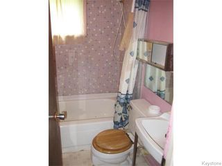 Photo 12: 631 Chalmers Avenue in Winnipeg: East Kildonan Residential for sale (North East Winnipeg)  : MLS®# 1614752