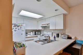 """Photo 4: 2886 MT SEYMOUR Parkway in North Vancouver: Blueridge NV Townhouse for sale in """"MCCARTNEY LANE"""" : MLS®# R2080201"""