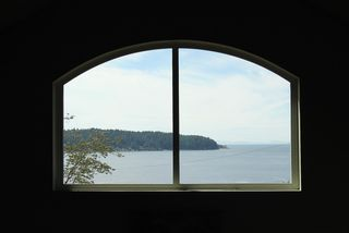 """Photo 12: 450 CENTRAL Avenue in Gibsons: Gibsons & Area House for sale in """"Granthams Landing"""" (Sunshine Coast)  : MLS®# R2083036"""