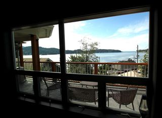 """Photo 6: 450 CENTRAL Avenue in Gibsons: Gibsons & Area House for sale in """"Granthams Landing"""" (Sunshine Coast)  : MLS®# R2083036"""