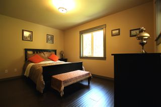 """Photo 9: 450 CENTRAL Avenue in Gibsons: Gibsons & Area House for sale in """"Granthams Landing"""" (Sunshine Coast)  : MLS®# R2083036"""
