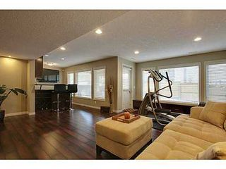 Photo 13: 276 VALLEY CREST Rise NW in Calgary: 2 Storey for sale : MLS®# C3560985